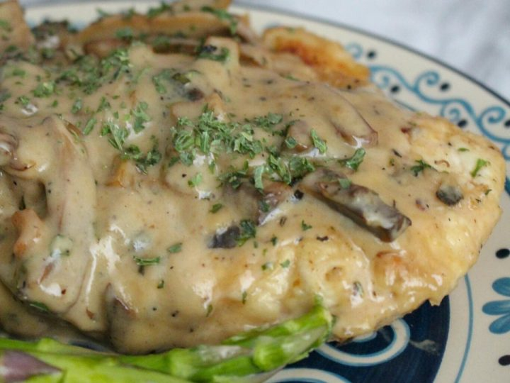 homecooked family dinner a creamy chicken marsala served with steamed green beans