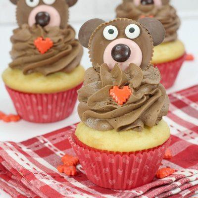 Cute Valentine's Bear Cupcakes to Bake