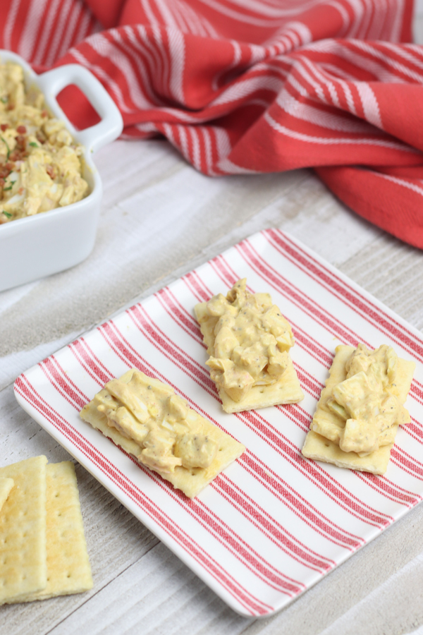 egg salad on crackers